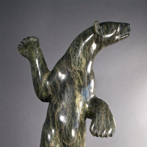 Quvianatuliak Takpaungai-Ours dansant